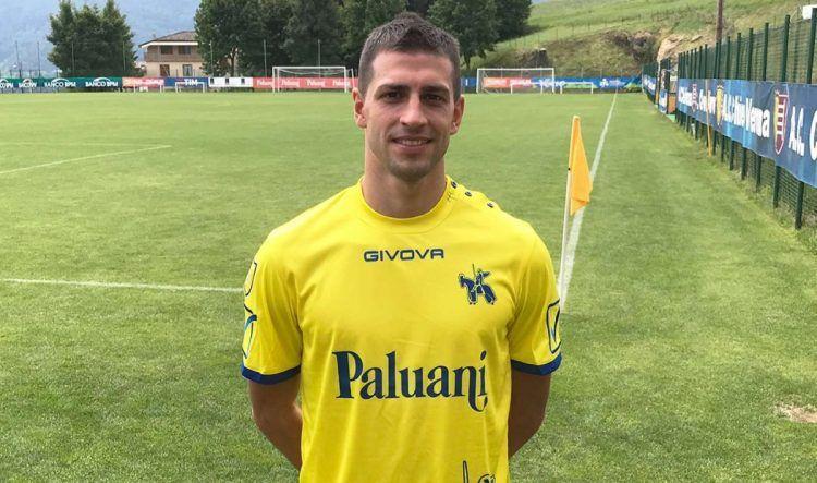 Pucciarelli indossa la maglia del Chievo 2017-2018