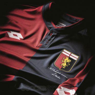 Dettaglio stemma Genoa maglia casa