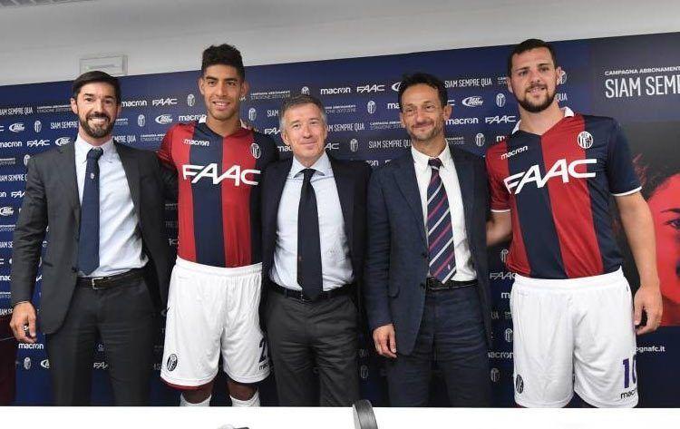 Destro e Masina con le divise del Bologna 2017-2018