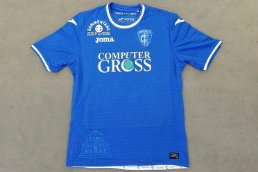 La maglia dell'Empoli 2017-2018 con gli sponsor