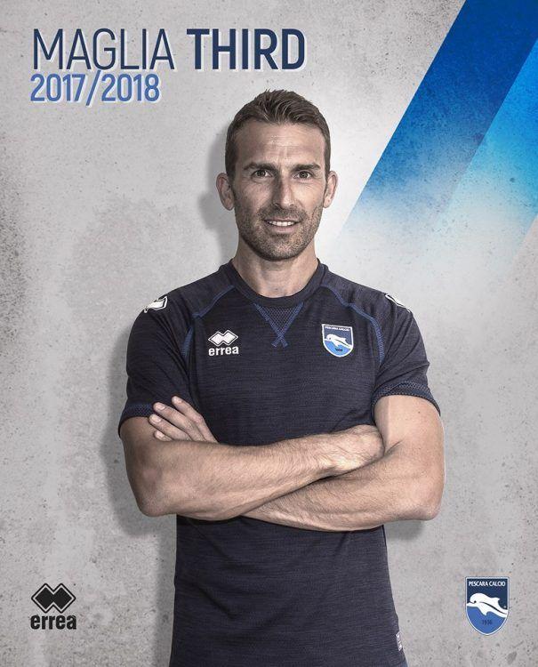 Terza maglia Pescara Calcio blu 2017-2018