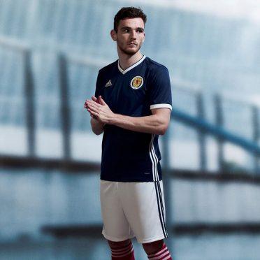 Divisa Scozia home 2018 adidas