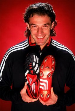 Del Piero con le Predator Mania del 2002