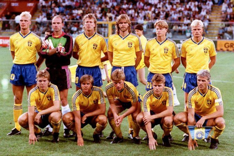 La Svezia ai Mondiali 1990, maglia adidas