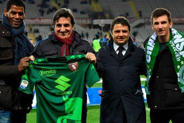 Cairo con la maglia verde del Torino per la Chapecoense