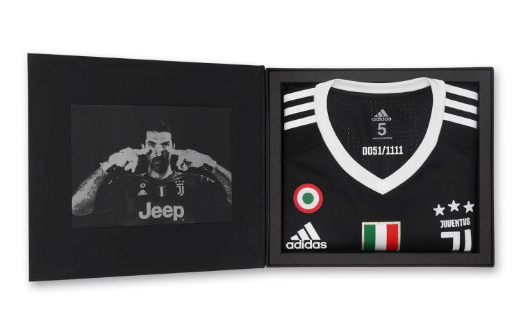 Cofanetto in edizione limitata, maglia Buffon 40 anni adidas