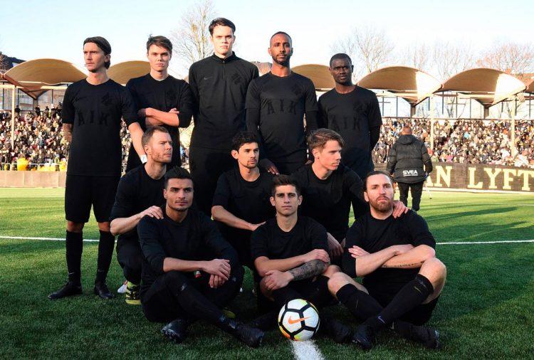 La divisa dell'AIK tutta nera firmata Nike