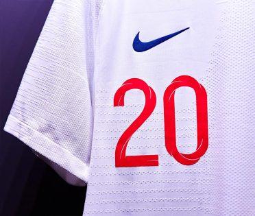 Numero rosso 20, prima maglia Inghilterra 2018
