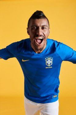 La seconda maglia del Brasile blu 2018