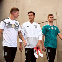 Maglie e abbigliamento Germania 2018 adidas