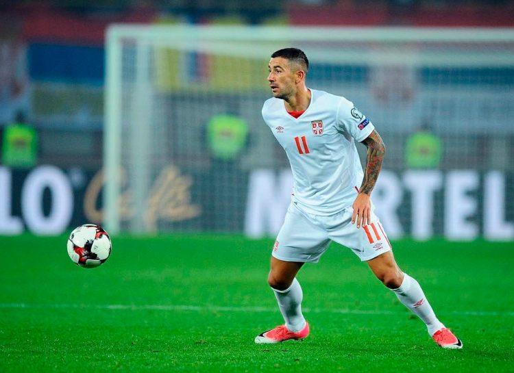 Kolarov con la maglia della Serbia firmata Umbro