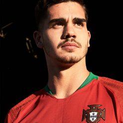 Andrè Silva con la nuova maglia del Portogallo 2018