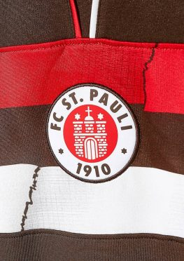 Stemma St. Pauli sulla maglia home 2018-2019