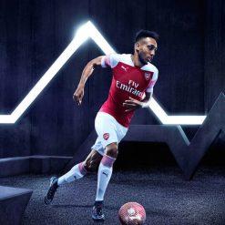 Aubameyang, prima maglia Arsenal Puma