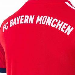FC Bayern Munchen, scritta retro