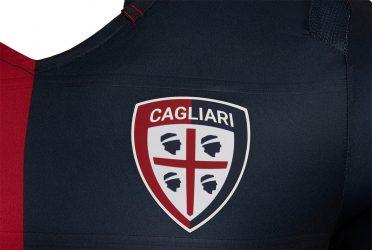 Dettaglio trama maglia Cagliari home
