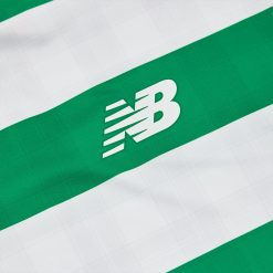 Logo New Balance, divisa Celtic