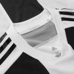 Colletto a V, maglia Juventus