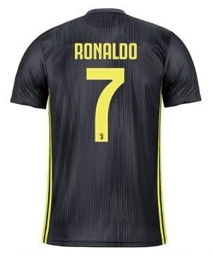 La terza maglia della Juventus di Ronaldo 7