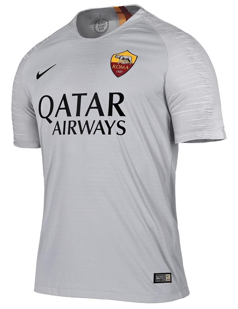 Maglia Roma 2018-2019, Nike sfoggia un'armatura sul petto