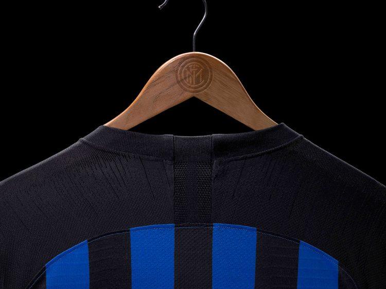 Retro collo nuova maglia Inter