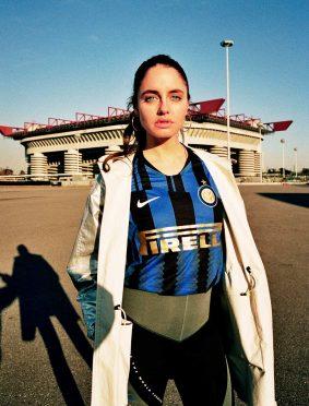 Matilde Gioli con la maglia celebrativa Inter-Nike