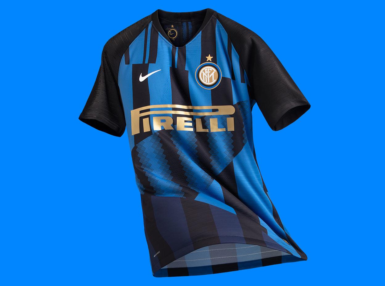 Maglia Inter 20 anni Nike celebrativa in campo nel derby