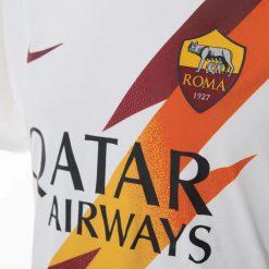Dettaglio fulmine maglia Roma