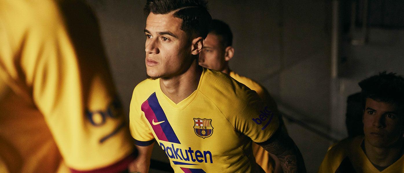 Coutinho con la maglia da trasferta del Barcellona 2019-2020