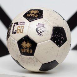 Il nuovo pallone per i 60 anni della Serie C