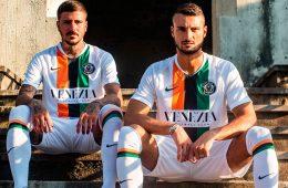 La divisa away del Venezia 2019-2020 Nike