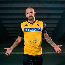 Terza maglia Bari 2019-20 gialla