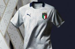 La maglia away dell'Italia 2020