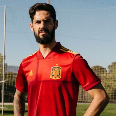 La prima maglia della Spagna 2020 adidas