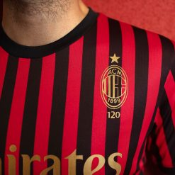Dettagli in oro Milan 120