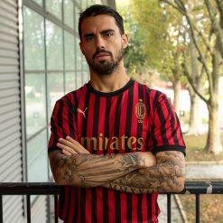 Suso con la maglia del Milan 120 anni
