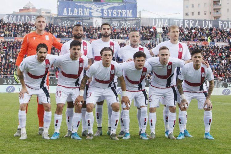 Divisa Cagliari 100 anni contro il Milan