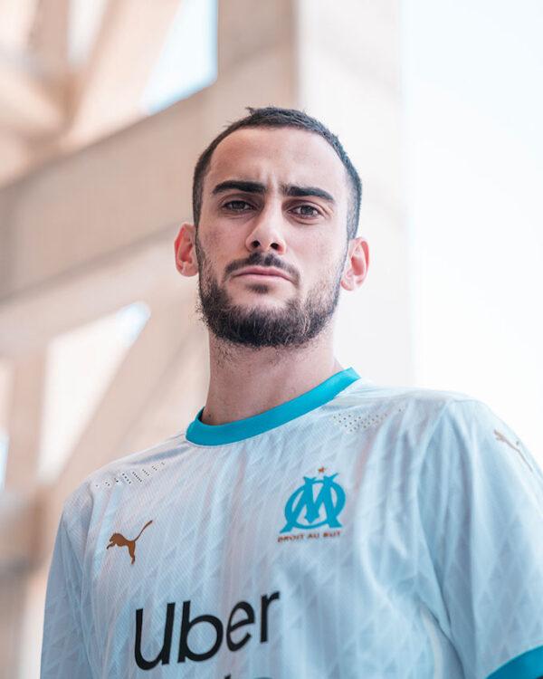 Perrin con la maglia del Marsiglia 2020-21