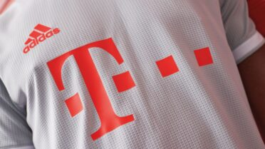 Bayern Away 20-21 fronte