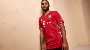 Gnabry divisa Bayern Monaco home 2020-21