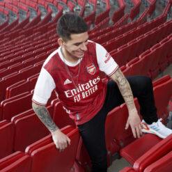 Torreira nuova maglia Arsenal