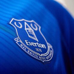Stemma Everton maglia 2020-21