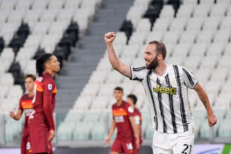 Higuain in Juventus-Roma 2020