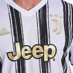 Le strisce pennellate della Juventus