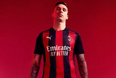 Biglia con la maglia del Milan 2020-21