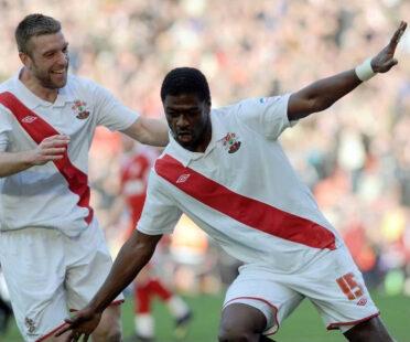 Jaidi divisa Southampton 2010-2011