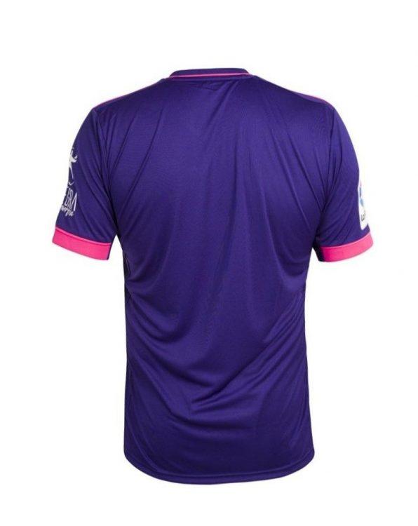 Real Valladolid maglia away viola e fucsia