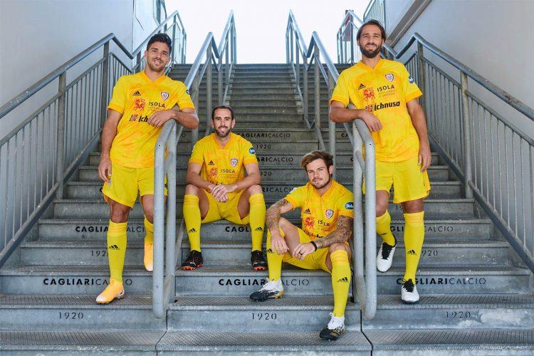 Presentazione terza maglia Cagliari 2020-21