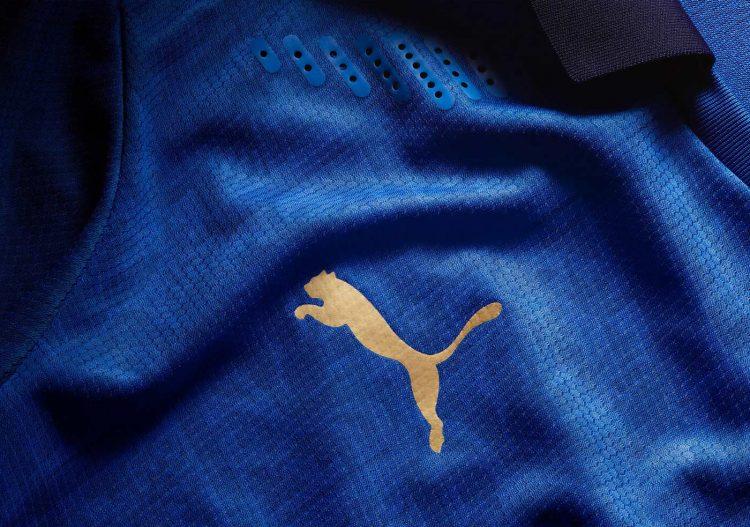 Logo Puma in oro, maglia Italia 2020-21