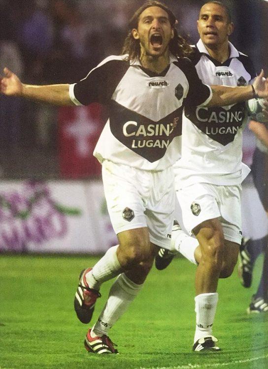 Maglia bianca Lugano nel 2000-2001